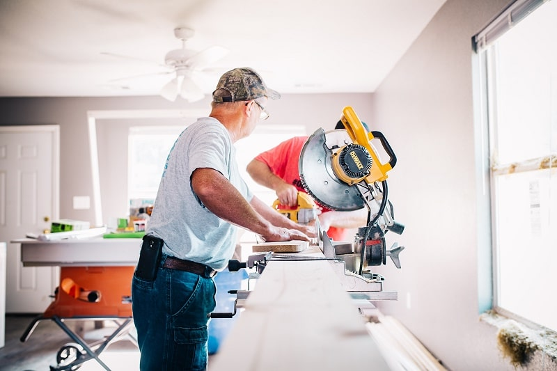 Best Miter Saw Reviews and Buyer Guide of 2020 For Beginners