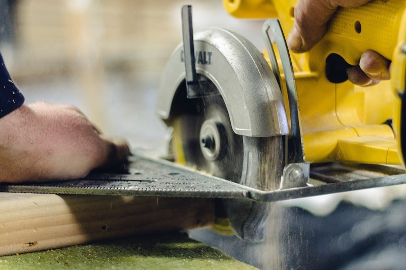 How to choose a good miter saw